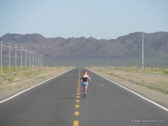 Riding an endless Xinjiang road on a bike