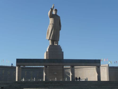Mao's statue in the Kashgar People's Square