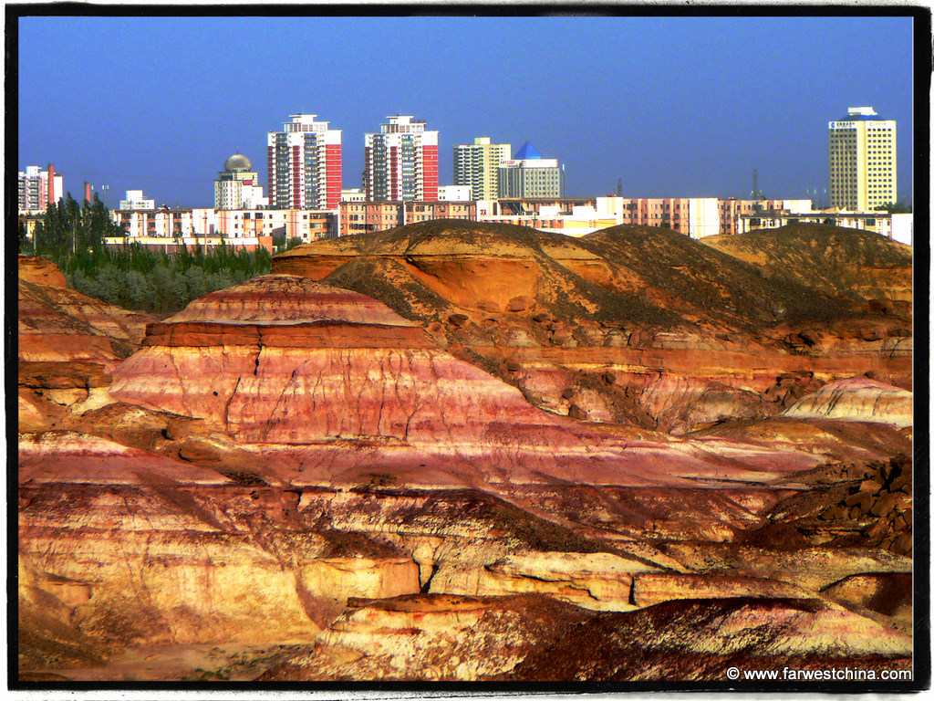 A colorful desert picture of Karamay