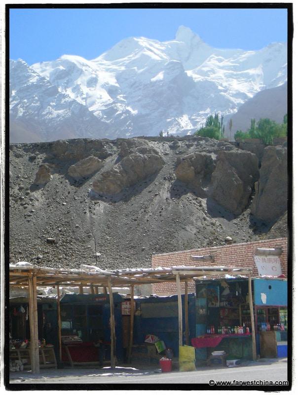A rest stop along Xinjiang's Karakoram Highway