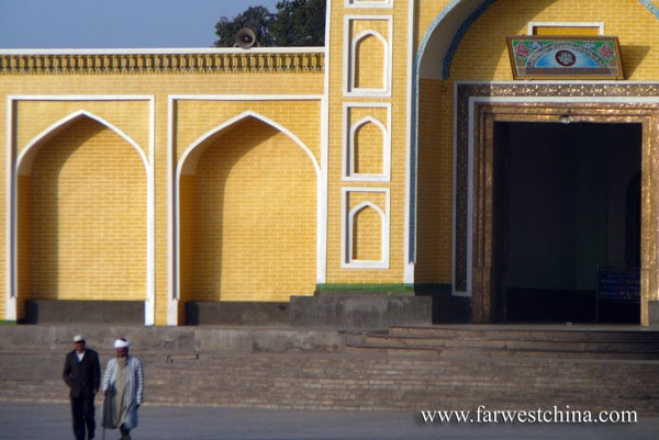 Two Uyghurs leaving the Id Kah mosque