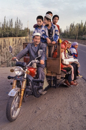 A type of motorcycle transportation typical for Uyghur in Xinjiang