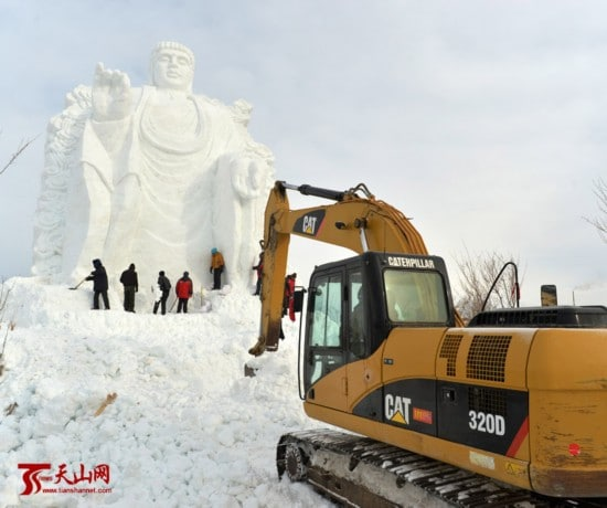 Massive snow Buddha in Xinjiang's Barkol county