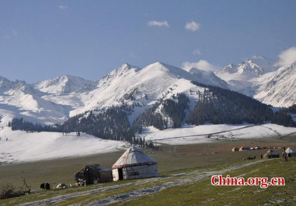 Urumqi's Southern Grasslands (Nalati) in winter