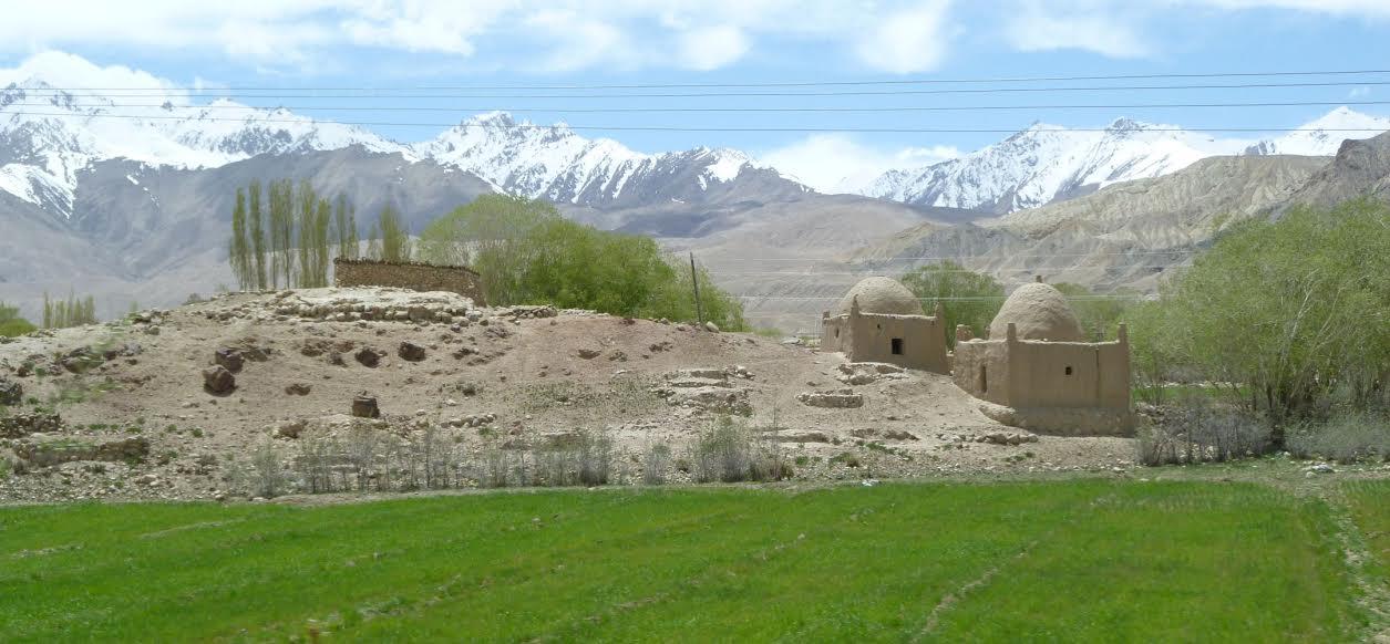 Traveler's View of Tashkurgan | Living the Slow Life