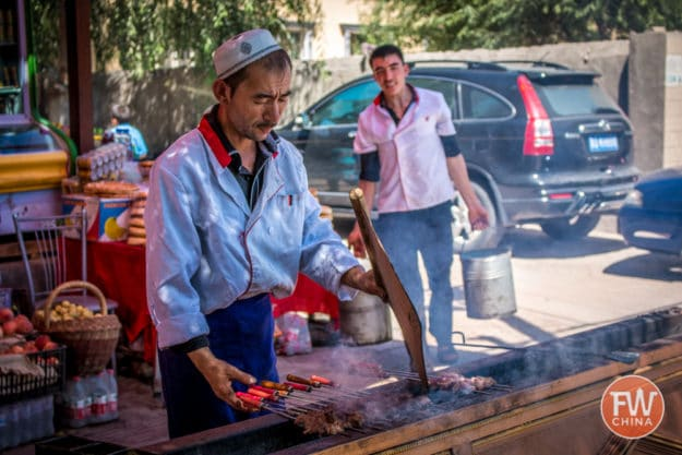 Uyghur kebab seller in Xinjiang | Best Uyghur food