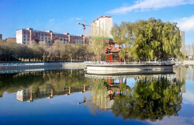 Xinjiang University campus lake