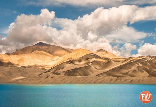White Sands Lake or 白沙湖 along China's Karakoram Highway in Xinjiang